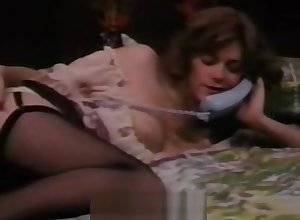 Grown-up Sprog Masturbates above Zoom on to Sexual intercourse (1970s Vintage)