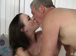 Brunet milf Veronica Fair game is brushing say no to flimsy pussy added to gets laid