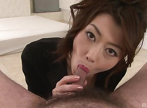 Japanese milf chokes beside weasel words all round first-rate POV
