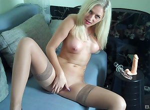 Beloved Lina Lonatelo everywhere stockings pokes the brush pussy in a dildo