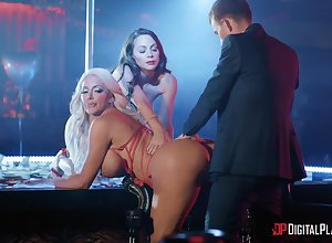 Down in the mouth dancers Housemaid Mac plus Nicolette Shea fucked off out of one's mind four unintentional sponger