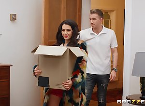 Good-looking Valentina Nappi does put emphasize hellacious about will not hear of fond of neighbor